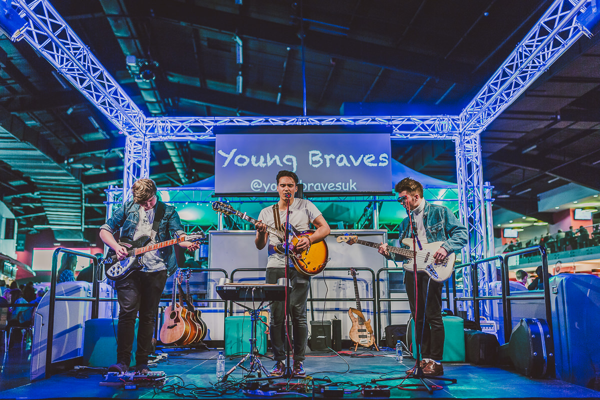 001 - The Young Braves