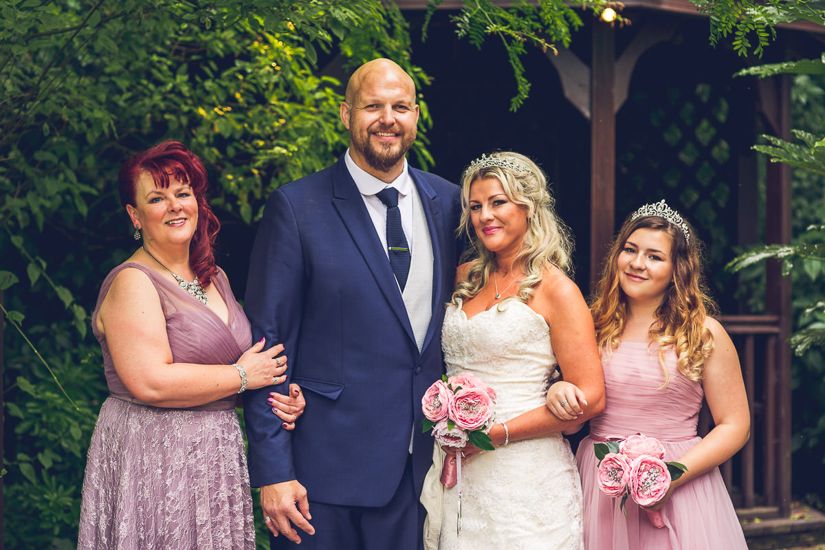 035 - Fairlawns Wedding Photographer - Jane and Neil