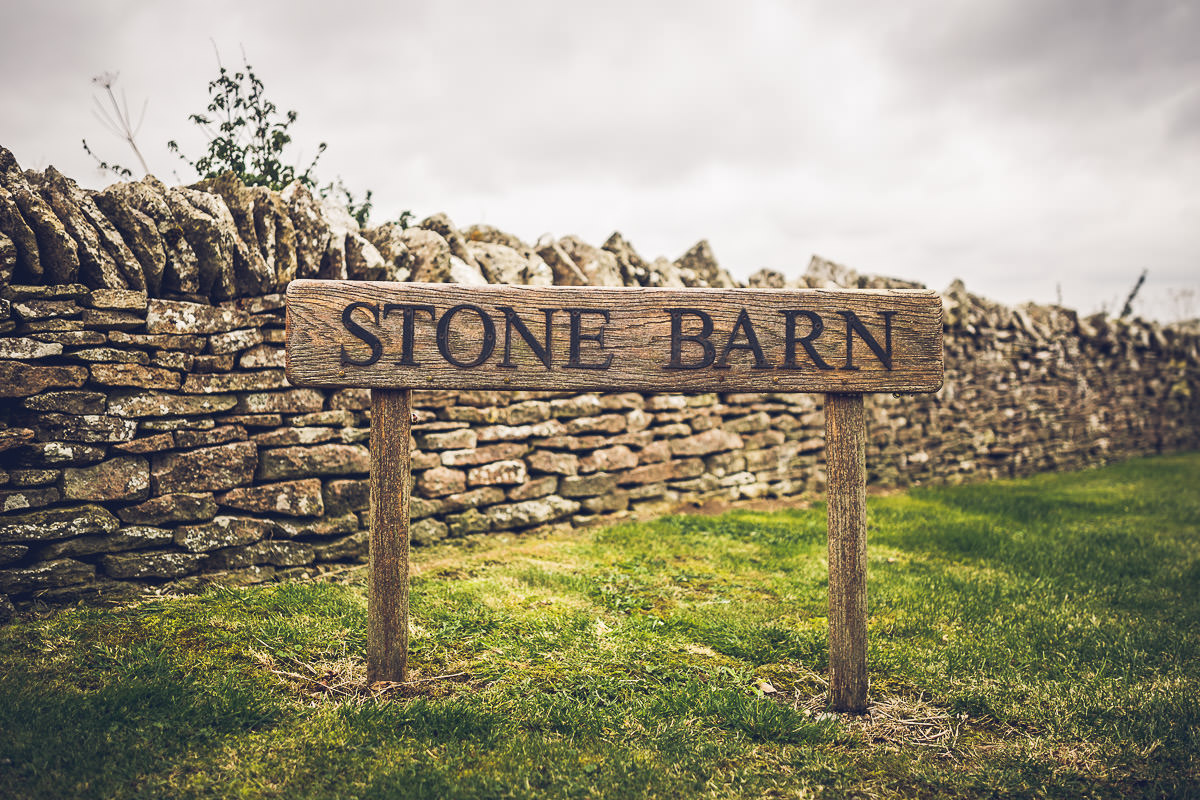 021-cripps-stone-barn-wedding-photographer