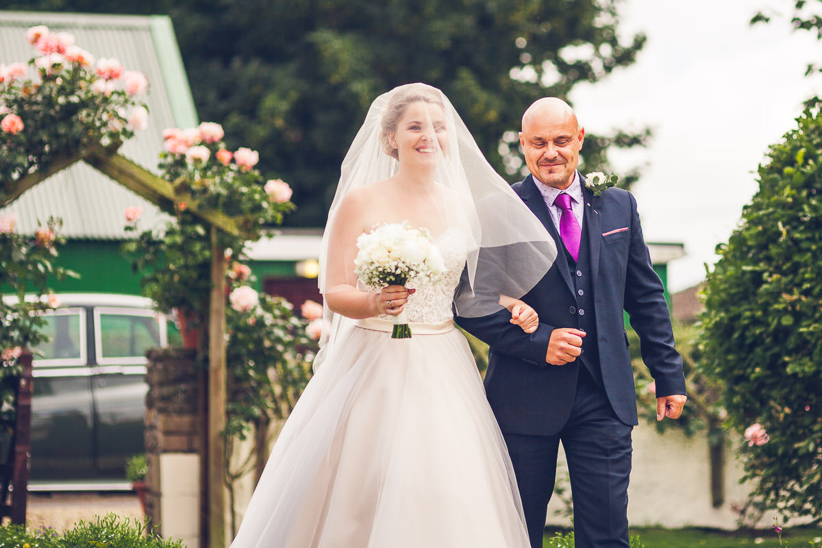 028-kenn-village-garden-wedding