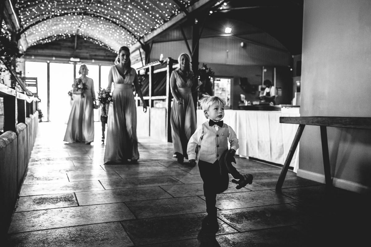 031-cripps-stone-barn-wedding-photography
