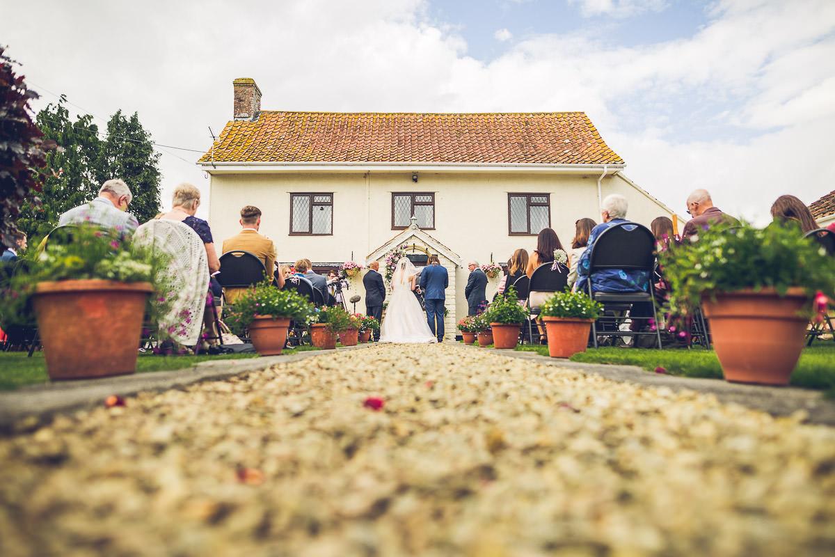 032-kenn-village-garden-wedding