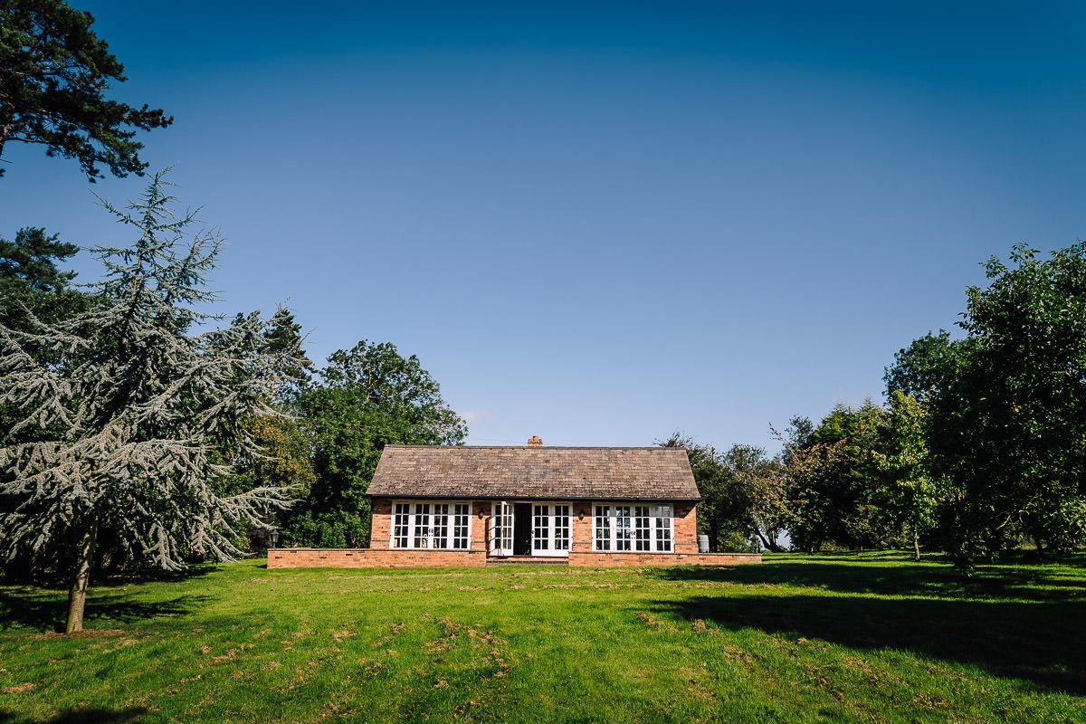 Dovecoat Barn Wedding Photographer - Sarah and Lee - Simon Brettell ...